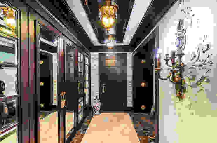 Интерьер загородного дома в стиле Эклектика Belimov-Gushchin Andrey Гардеробная в эклектичном стиле