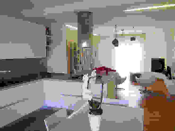 zona giorno Soggiorno moderno di Laura Canonico Architetto Moderno