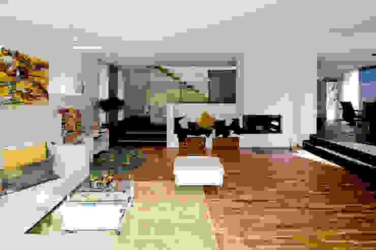 现代客厅設計點子、靈感 & 圖片 根據 brügel_eickholt architekten gmbh 現代風