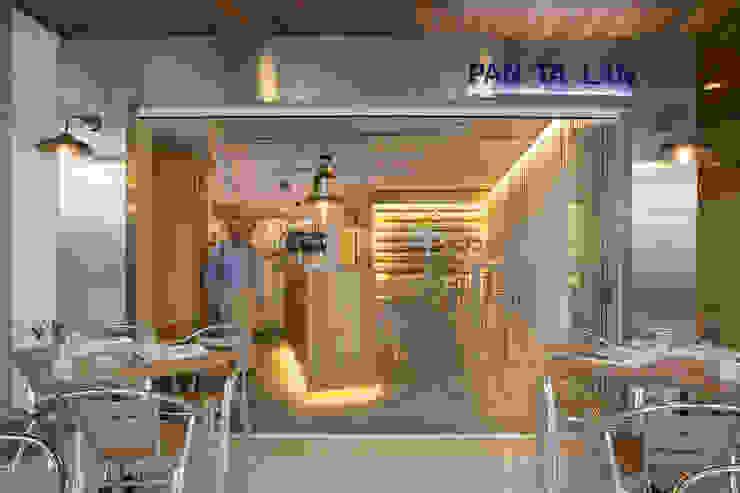 GASTRO WINE BAR <q> PAN TA LAN </q> PTO POLLENÇA Bares y clubs de estilo moderno de felip polar Moderno