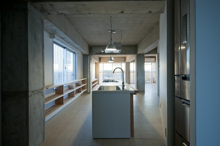 Tk さんのためのアパート モダンな キッチン の kurosawa kawara-ten モダン