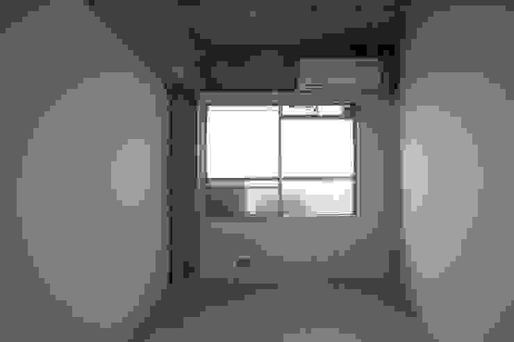 Tk さんのためのアパート モダンデザインの 子供部屋 の kurosawa kawara-ten モダン