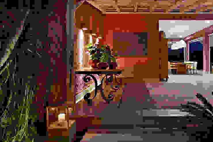 Haras Sahara por Anaíne Vieira Pitchon Arquitetura e Interiores Rústico