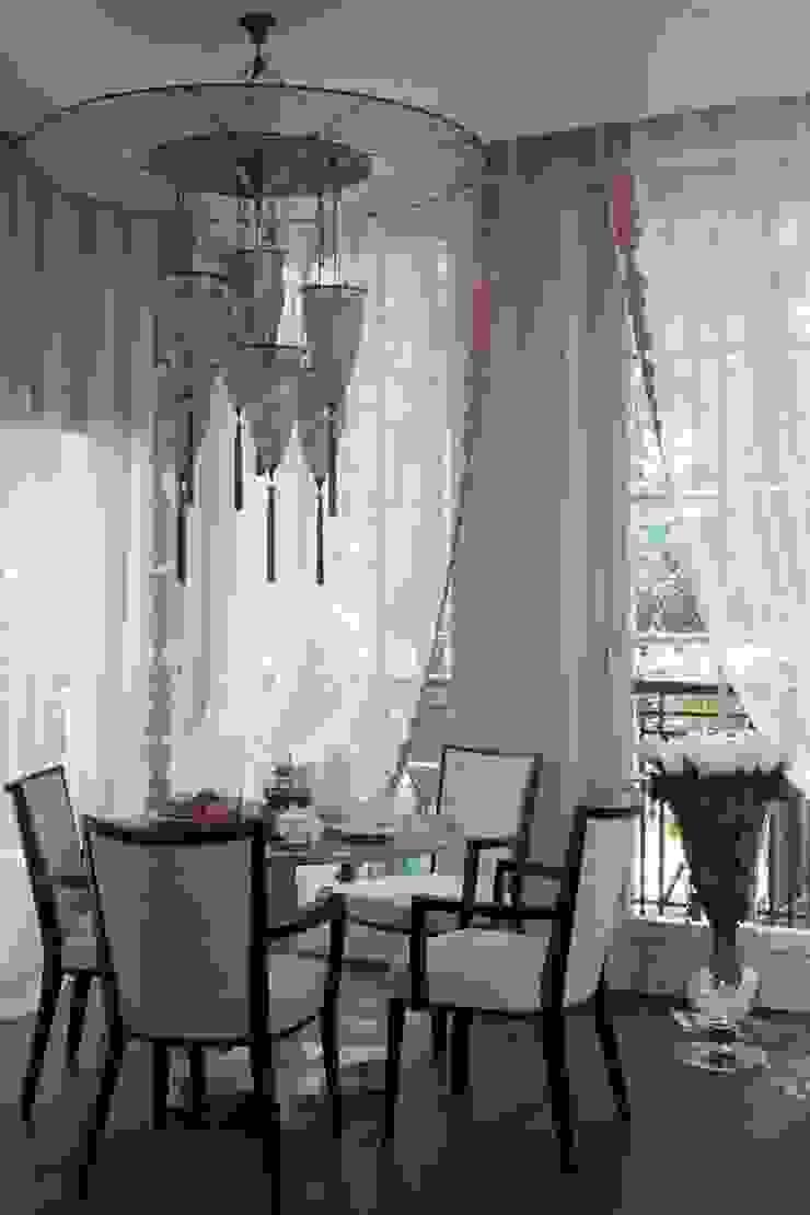Дом в Горках Столовая комната в классическом стиле от Lighthouse Projects Классический