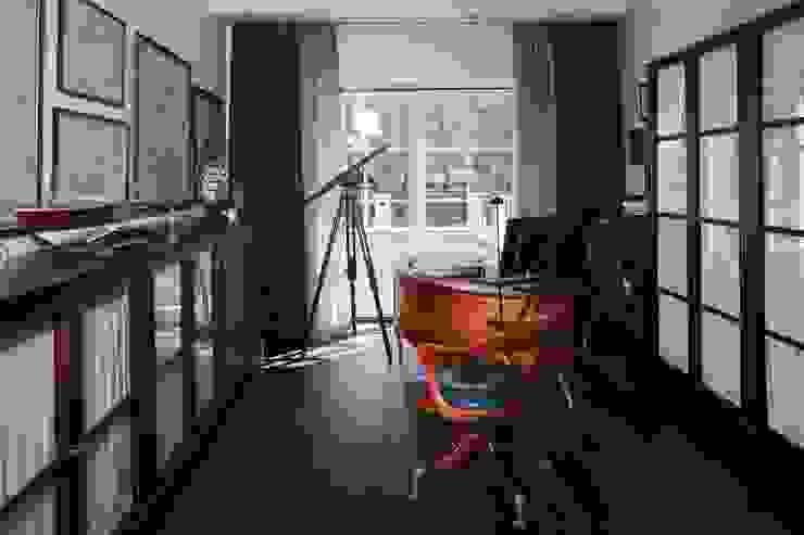 Дом в Горках Рабочий кабинет в классическом стиле от Lighthouse Projects Классический