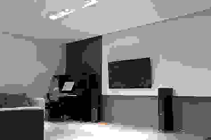 Salon: styl , w kategorii Salon zaprojektowany przez Konrad Idaszewski Architekt,Nowoczesny