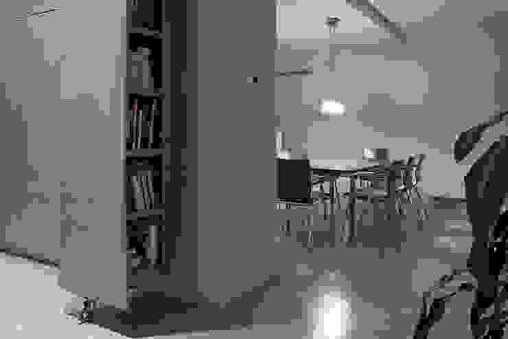 Hol: styl , w kategorii Korytarz, przedpokój zaprojektowany przez Konrad Idaszewski Architekt,Nowoczesny