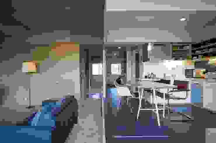 K さんのためのアパート モダンデザインの リビング の kurosawa kawara-ten モダン