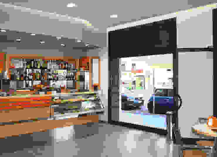 Bar & Klub Modern Oleh EMC2Architetti Modern