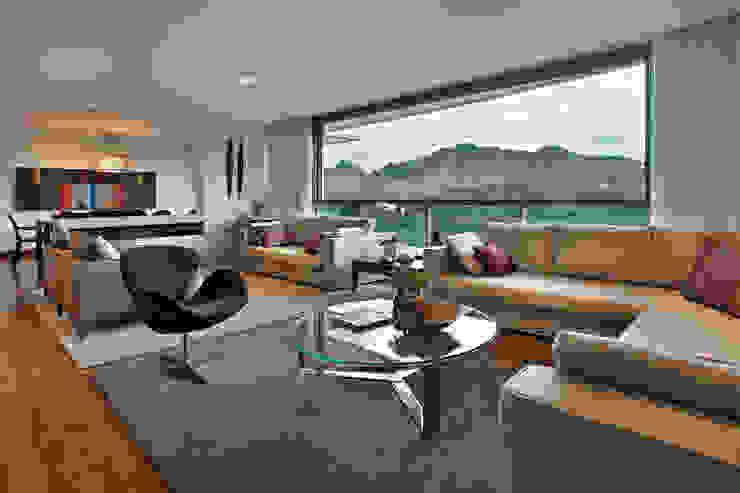 Salas / recibidores de estilo  por Lage Caporali Arquitetas Associadas, Moderno