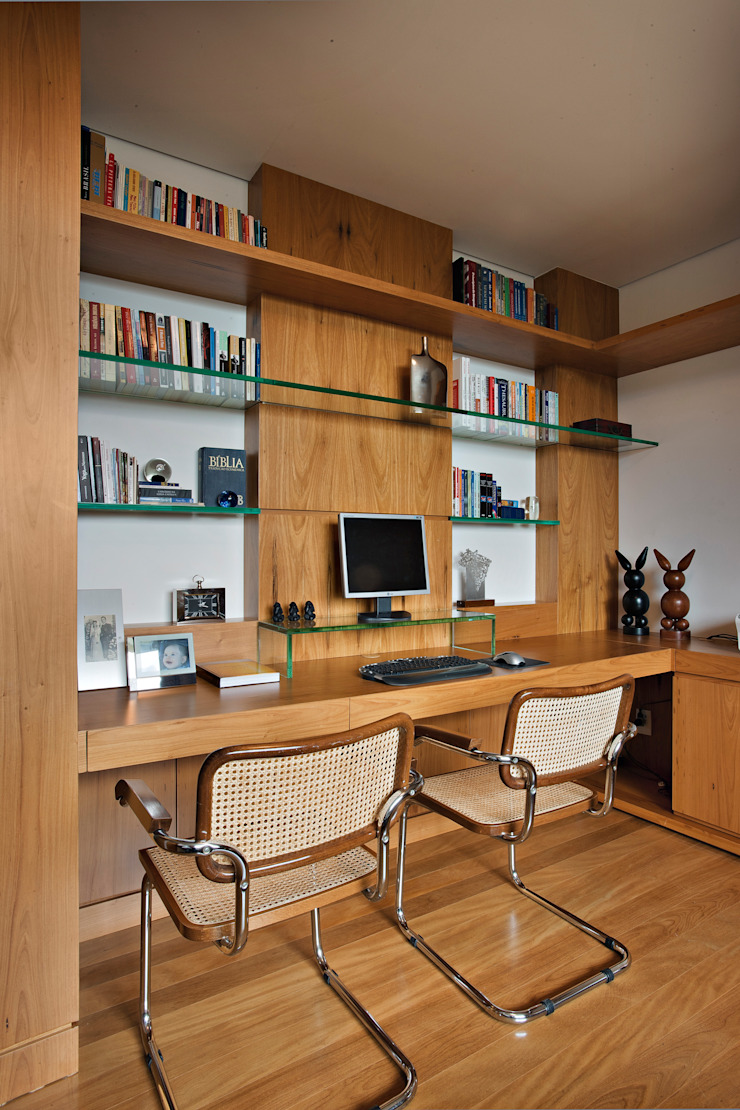 Modern Study Room and Home Office by Lage Caporali Arquitetas Associadas Modern