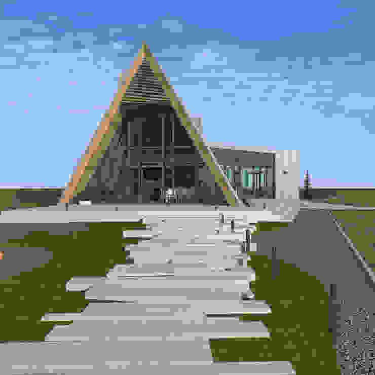 by CHM architect Мінімалістичний