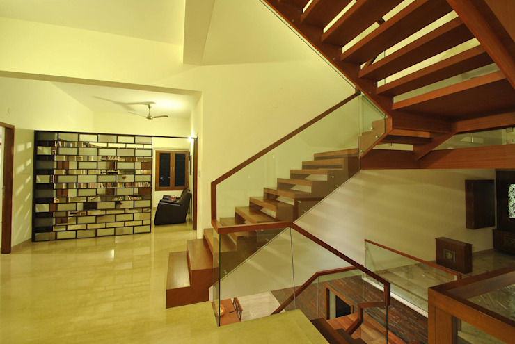 Mr & Mrs Pannerselvam's Residence Modern corridor, hallway & stairs by Muraliarchitects Modern
