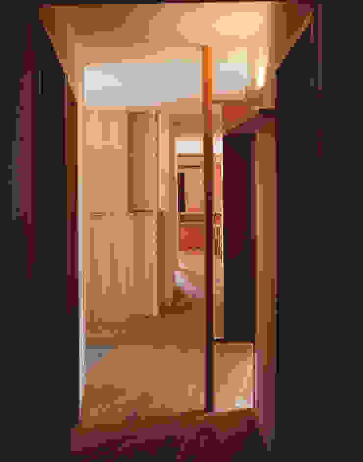 廊下 北欧スタイルの 玄関&廊下&階段 の 矩須雅建築研究所 北欧
