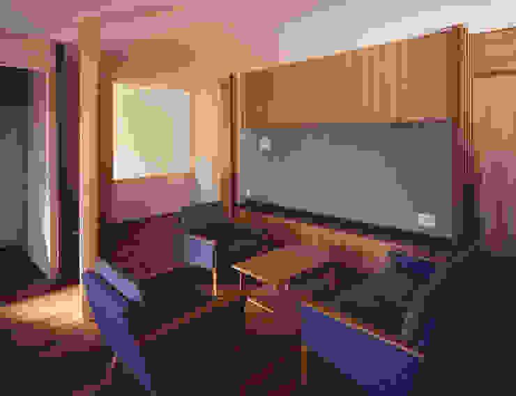 2階リビング1 北欧デザインの リビング の 矩須雅建築研究所 北欧