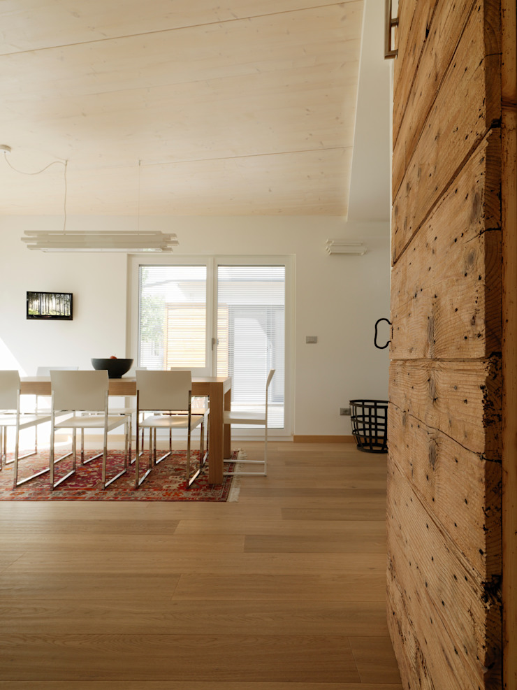 Modern Dining Room by DomusGaia Modern