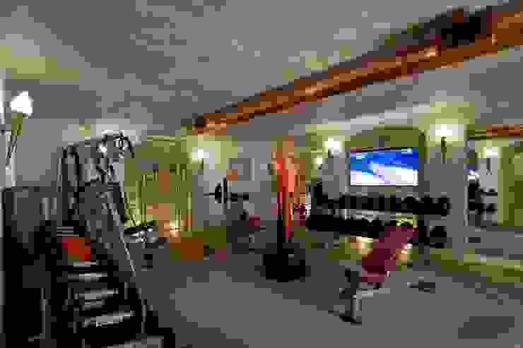 Жилой дом Тренажерный зал в классическом стиле от Студия дизайна Сергея Кривошеева Классический