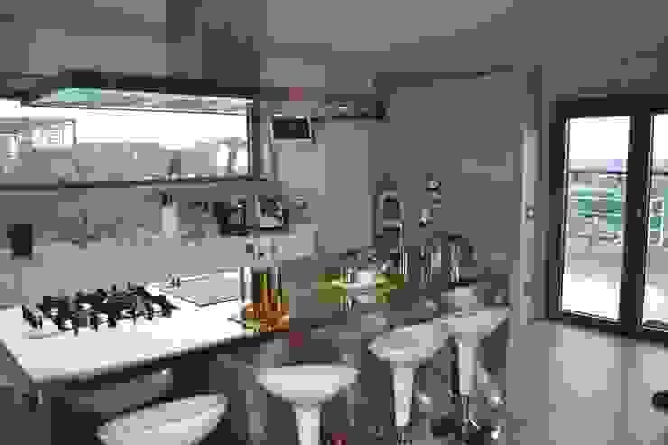 attico Roma Cucina moderna di arclinearoma Moderno