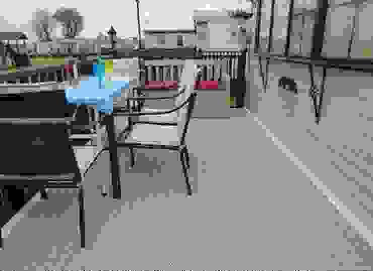 Bergo XL tiles Balcone, Veranda & Terrazza in stile scandinavo di Ecotile Flooring Scandinavo