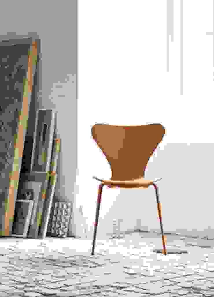 krzesło Series 7 - Fritz Hansen od Mootic Design Store Skandynawski