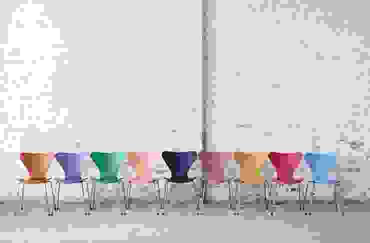 krzesło Series 7 - Fritz Hansen: styl , w kategorii  zaprojektowany przez Mootic Design Store ,Skandynawski