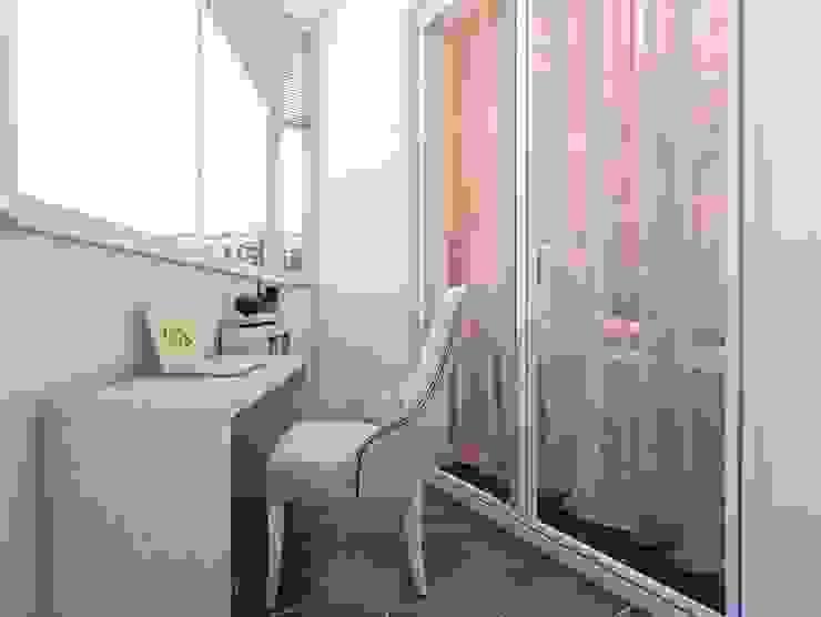 Квартира в Озерках. Балкон и терраса в классическом стиле от Студия дизайна Elena-art Классический