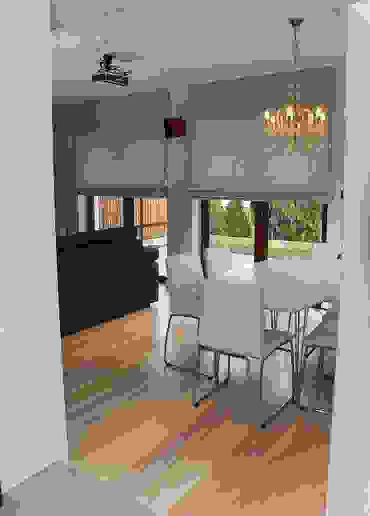 YNOX Architektura Wnętrz Moderne Esszimmer