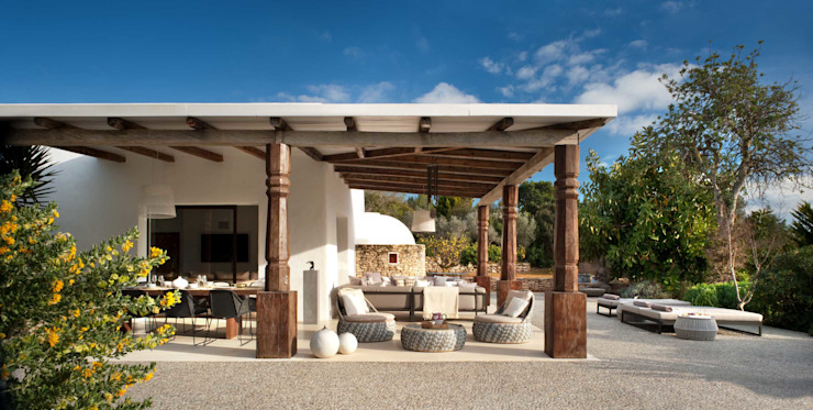 Patios & Decks by TG Studio, Mediterranean