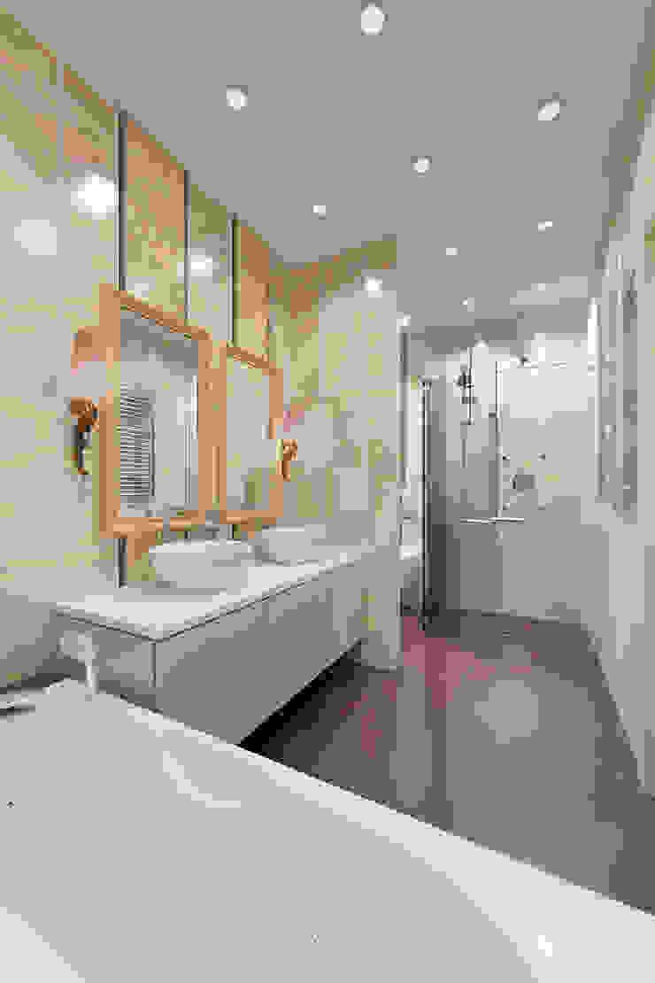 квартира на Гарибальди Ванная в классическом стиле от ООО 'Студио-ТА' Классический