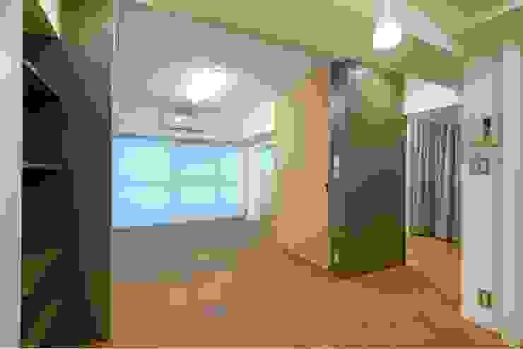 押し入れボックス: ティー・ケー・ワークショップ一級建築士事務所が手掛けた現代のです。,モダン