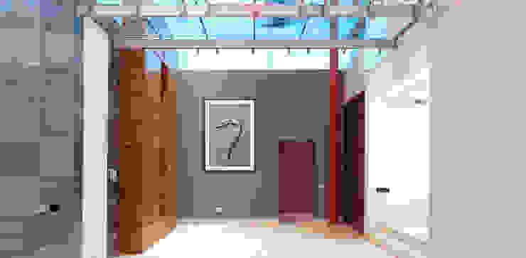 Casa Las Cumbres Pasillos, vestíbulos y escaleras eclécticos de STUDIO ALMEIDA DESIGN Ecléctico