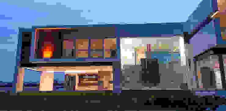 Casa Las Cumbres Casas eclécticas de STUDIO ALMEIDA DESIGN Ecléctico