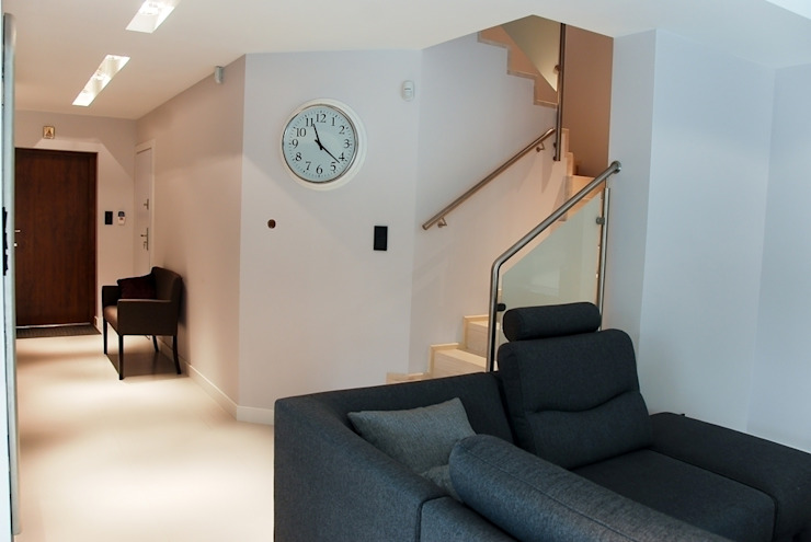 YNOX Architektura Wnętrz Moderner Flur, Diele & Treppenhaus