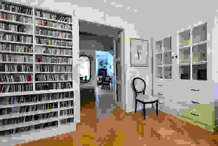 90m, Ochota, Wwa Klasyczny pokój multimedialny od dziurdziaprojekt Klasyczny