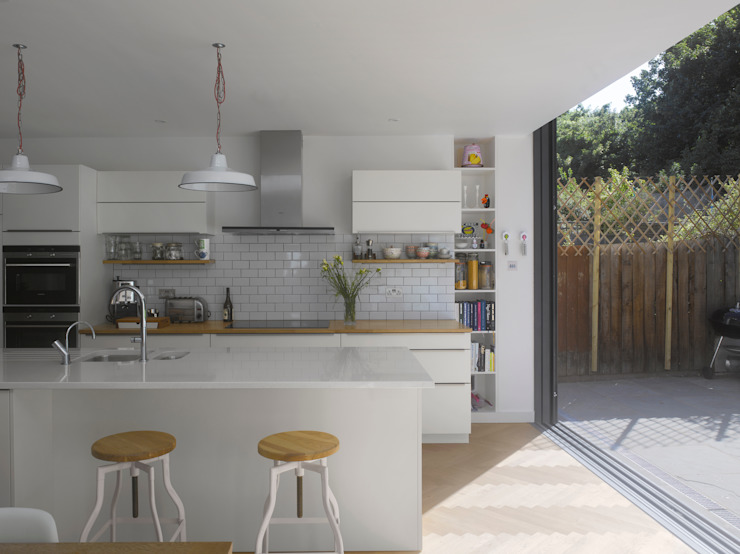 Redston Road Modern kitchen by Andrew Mulroy Architects Modern