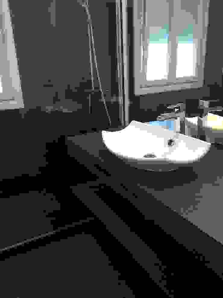 Estado reformado - Baño de invitados de Viroa ǀ Arquitectura – Interiorismo – Obras Moderno