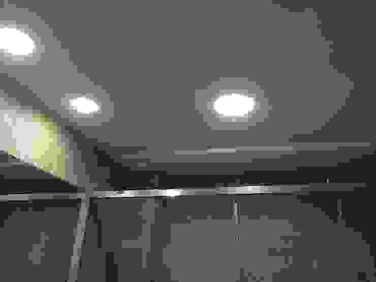 Estado reformado - Baño principal de Viroa ǀ Arquitectura – Interiorismo – Obras Moderno