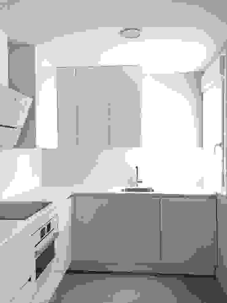 Estado reformado - Cocina de Viroa ǀ Arquitectura – Interiorismo – Obras Moderno