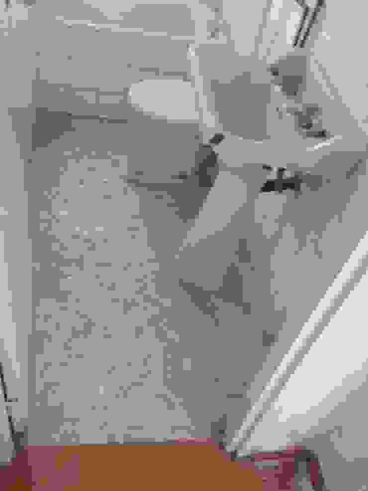 Estado actual - Baño invitados de Viroa ǀ Arquitectura – Interiorismo – Obras Moderno