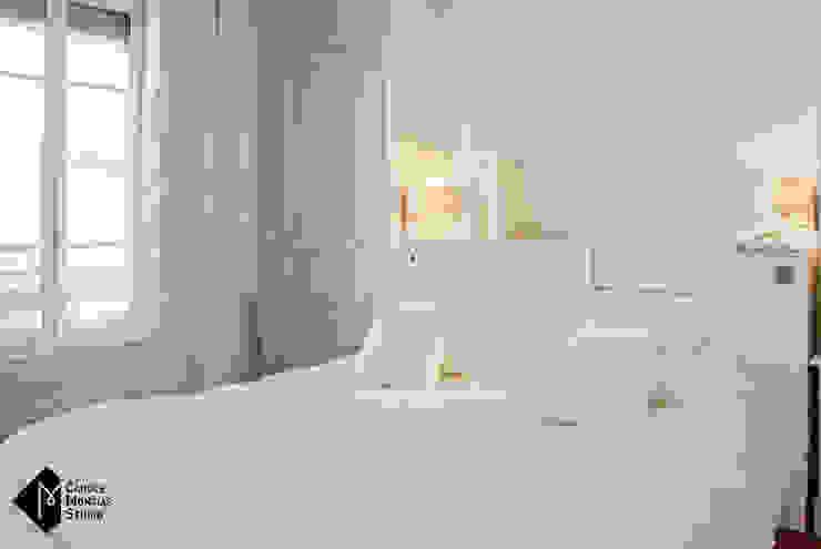 Look Total White Chambre classique par Carole Montias-Studio Classique