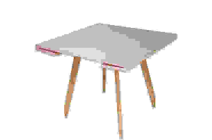 C-Table di DressHome di Maria Incampo Moderno