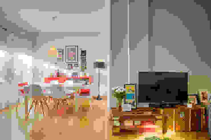 Casa Oeiras : Salas de jantar  por Santiago | Interior Design Studio