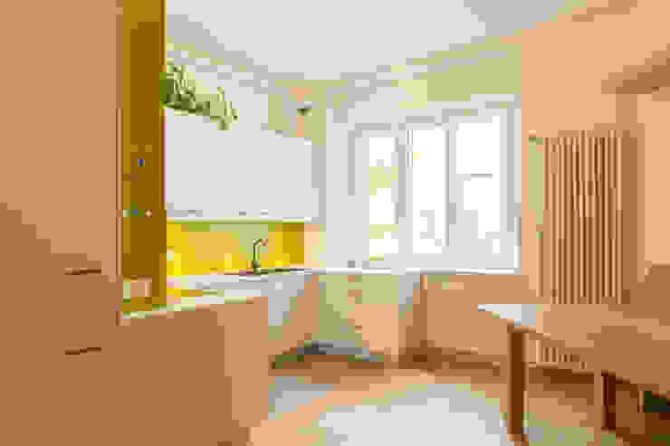 Cocinas de estilo moderno de Manuel Benedikter Architekt Moderno