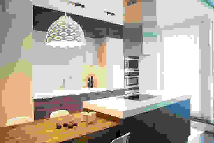Apartament w Soho-Factory Warszawa: styl , w kategorii Kuchnia zaprojektowany przez I Home Studio Barbara Godawska,Nowoczesny