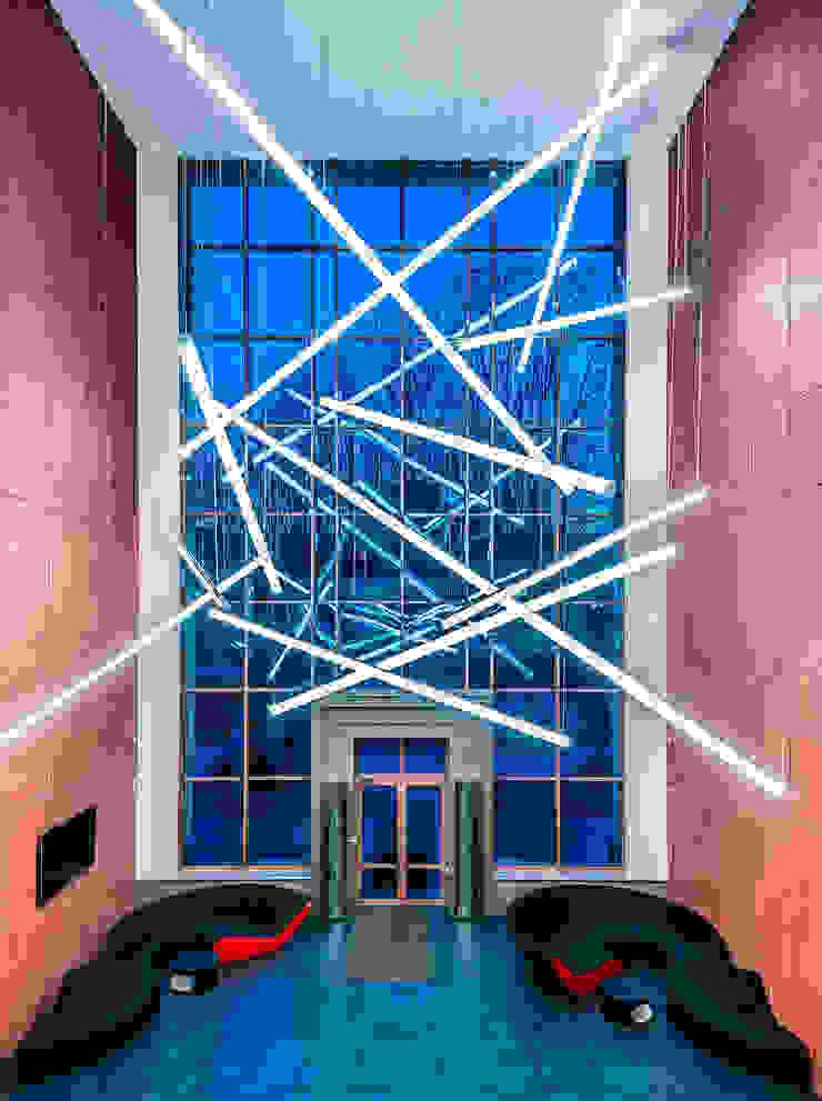 Офис компании <q>ЛУКОЙЛ</q> в Санкт-Петербурге Офисные помещения в стиле минимализм от Belimov-Gushchin Andrey Минимализм