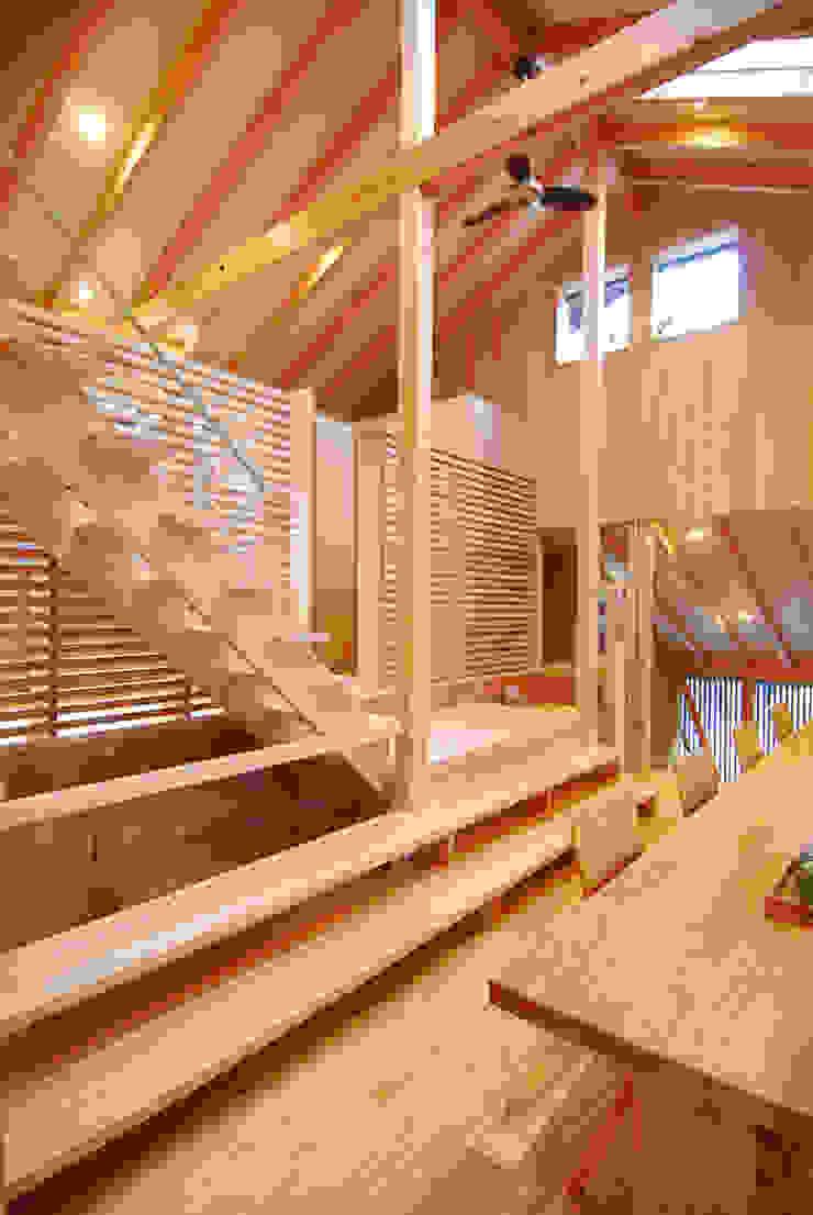 階段兼オーディオボード オリジナルデザインの ダイニング の 豊田空間デザイン室 一級建築士事務所 オリジナル