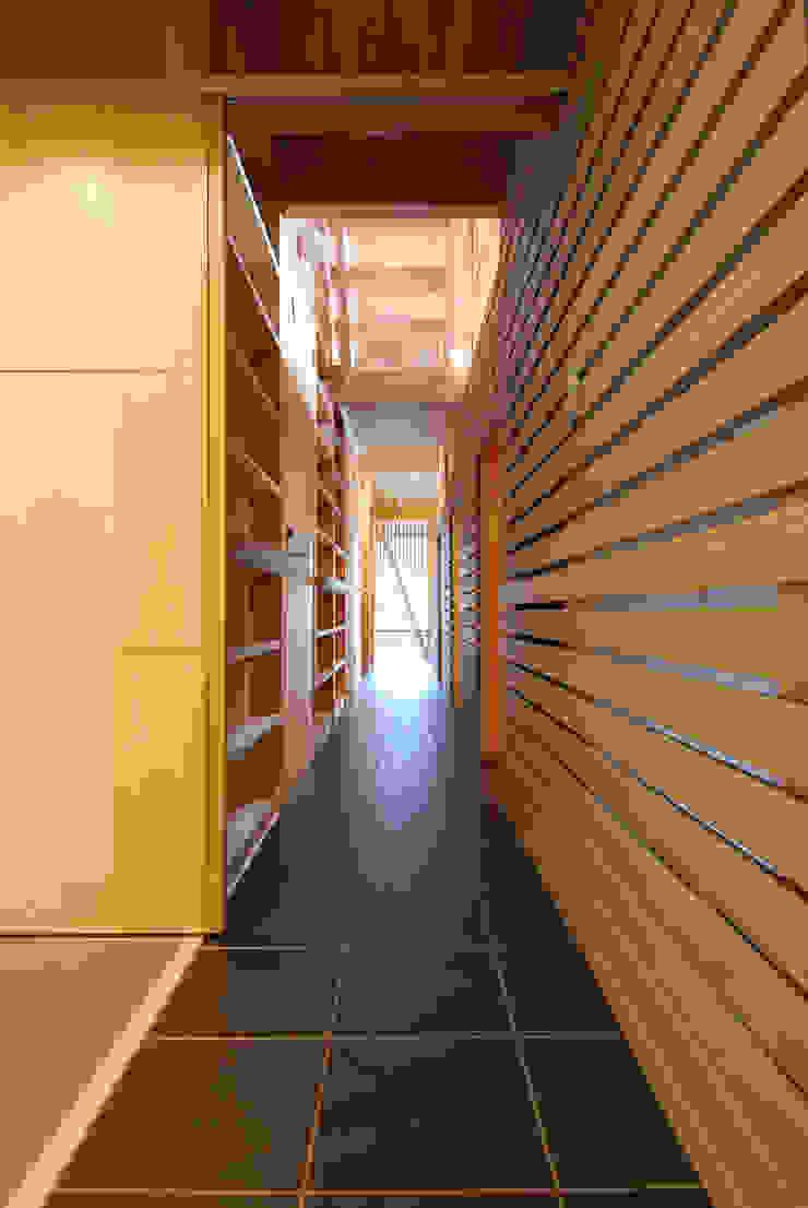 内路地見返し オリジナルスタイルの 玄関&廊下&階段 の 豊田空間デザイン室 一級建築士事務所 オリジナル