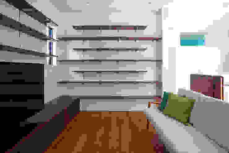 設計事務所アーキプレイス Livings de estilo moderno