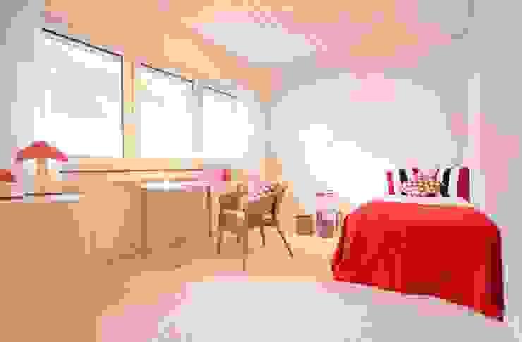 Kinderzimmer nach dem Home Staging Kinderzimmer im Landhausstil von raumwerte Home Staging Landhaus