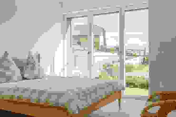 Modern Bedroom by Manuel Benedikter Architekt Modern